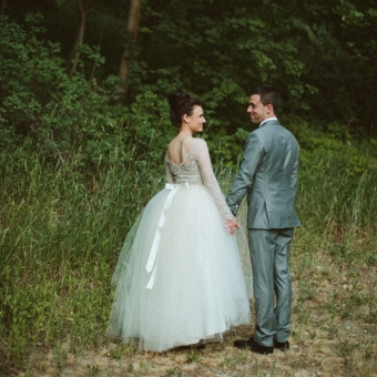 A beautiful vintage masterpiece made by the bride's Mom, stunning! http://bit.ly/12BJ0in
